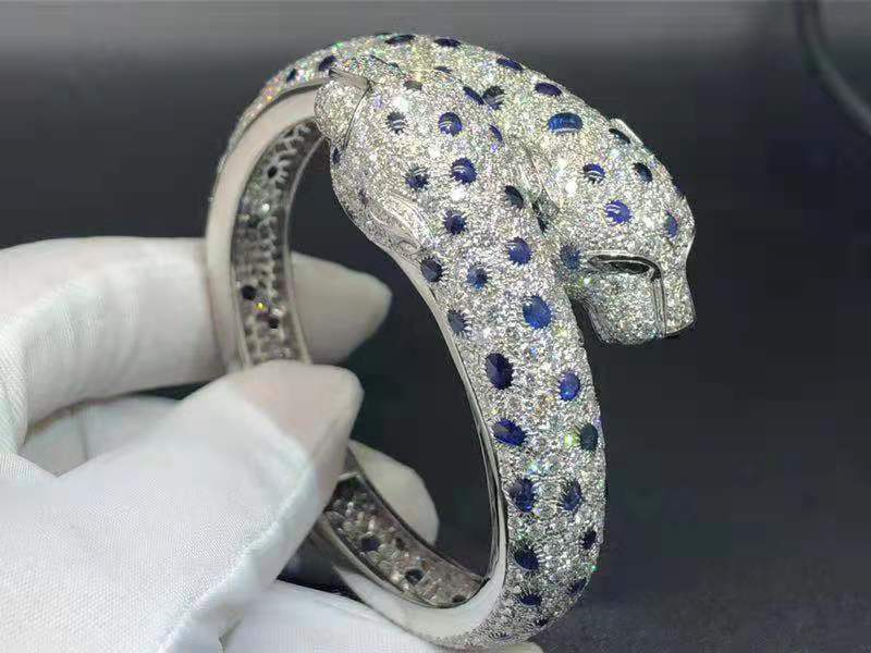 Custom Panthere de Cartier Sapphire, Emerald and Diamond Paved Double Panther Head Platinum High Jewelry Bracelet